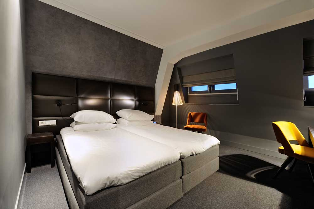standard-twin-room-amsterdam-forest-hotel-1